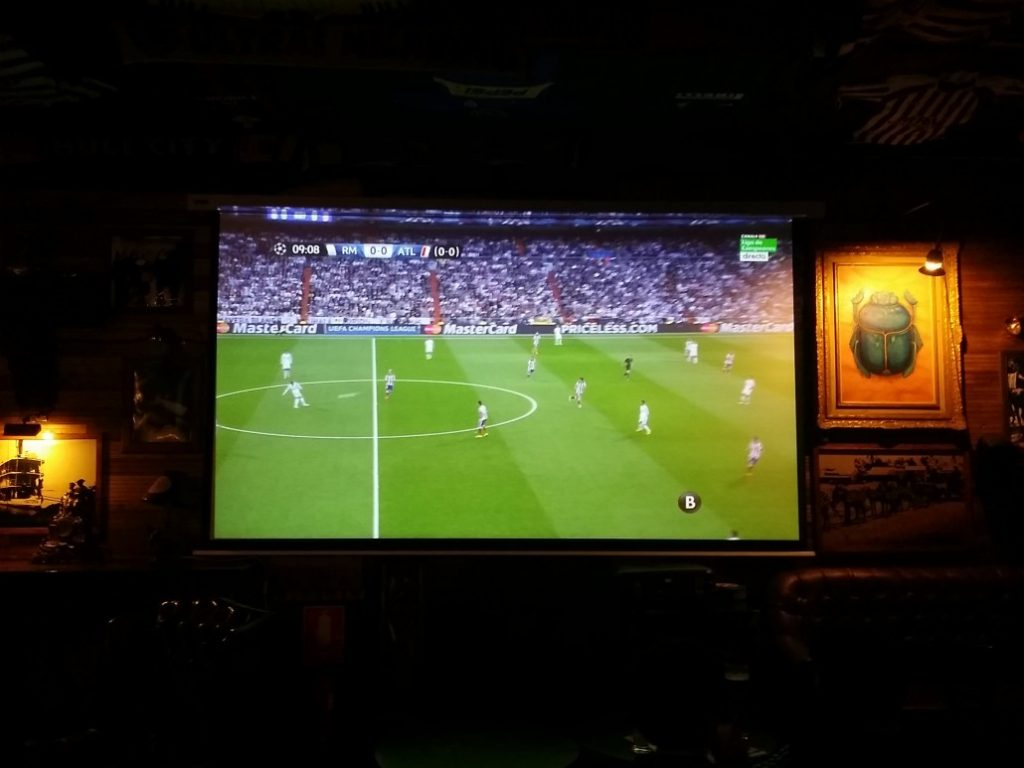 irish sports bar big screen